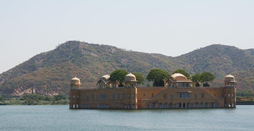 jaipur-ville-rouge-capitale-rajasthan-palais
