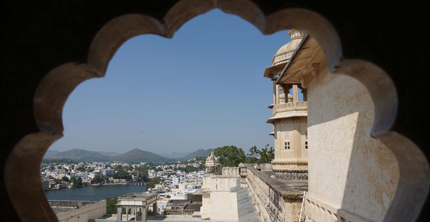 udaipur-rajasthan-city-palace-1
