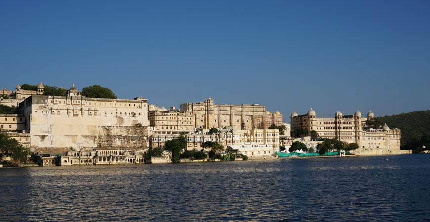 udaipur-rajasthan-city-palace