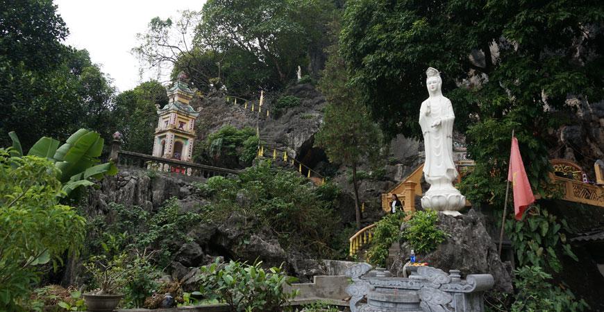 baie-halong-terrestre-tam-coc-temple
