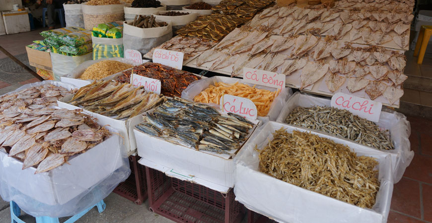 hanoi-roadtrip-vietnam-marche-poisson