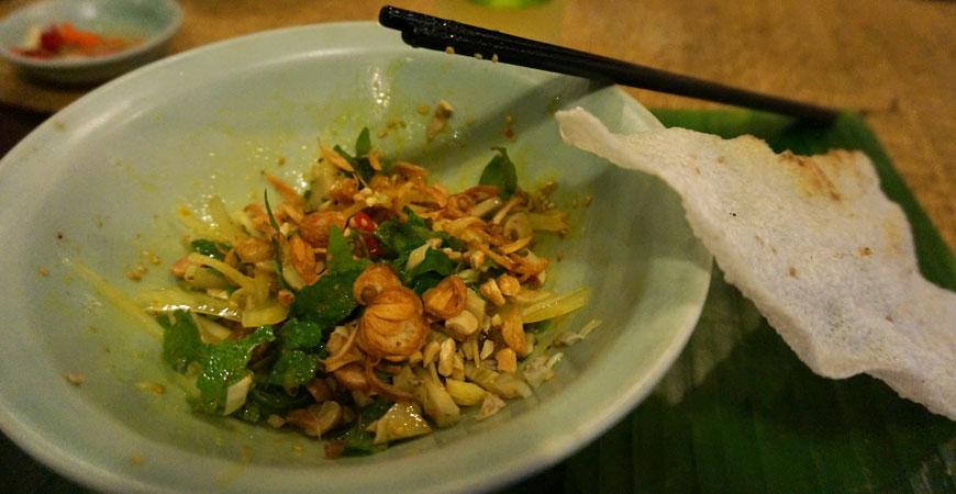 hoi-an-vietnam-cours-cuisine-vys-market-restaurant-salade