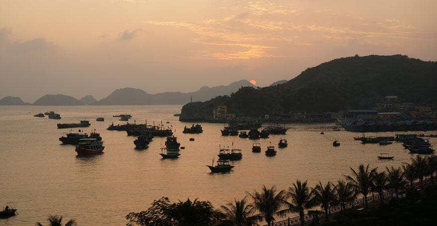 ile-cat-ba-baie-halong-vietnam-coucher-soleil