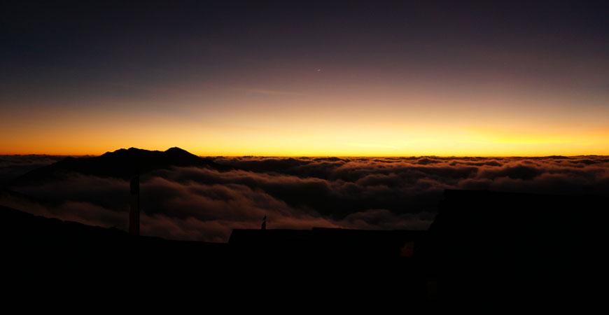 trek-nepal-pikey-peek-paysage-lunaire