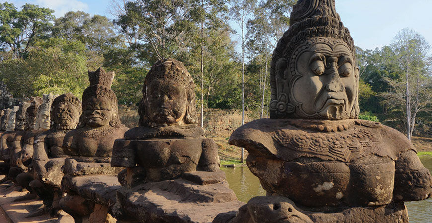angkor-tom-porte-sud-geants