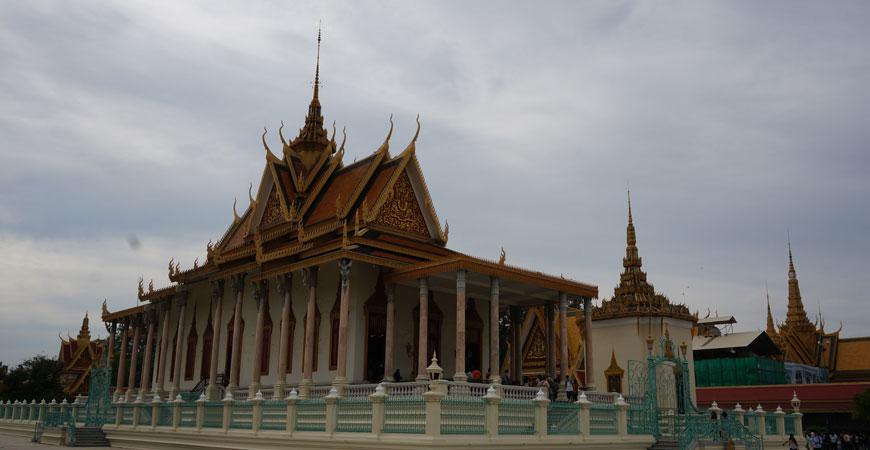phnom-penh-palais-royal-pagode-argent