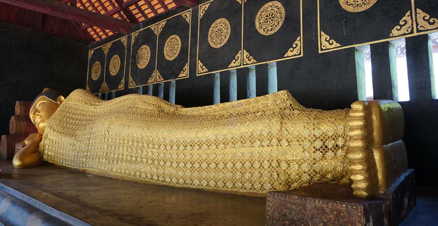 chiang-mai-nord-thailande-bouddha-couche