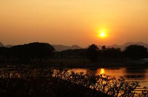kanchanaburi-sunset-riviere-kwai