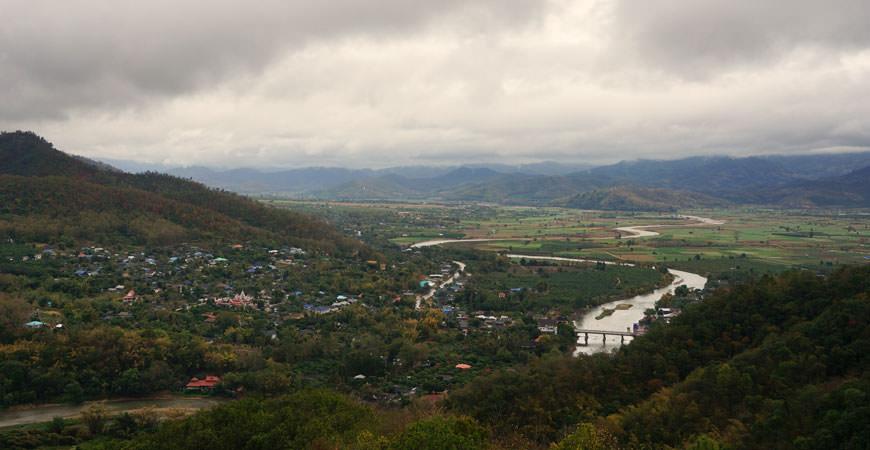 ta-ton-nord-thailande-village-akha-vue