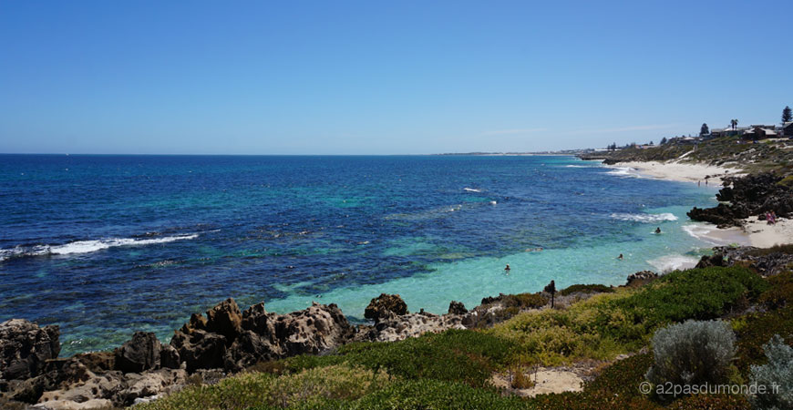 perth-mettams-pool-plage-australie