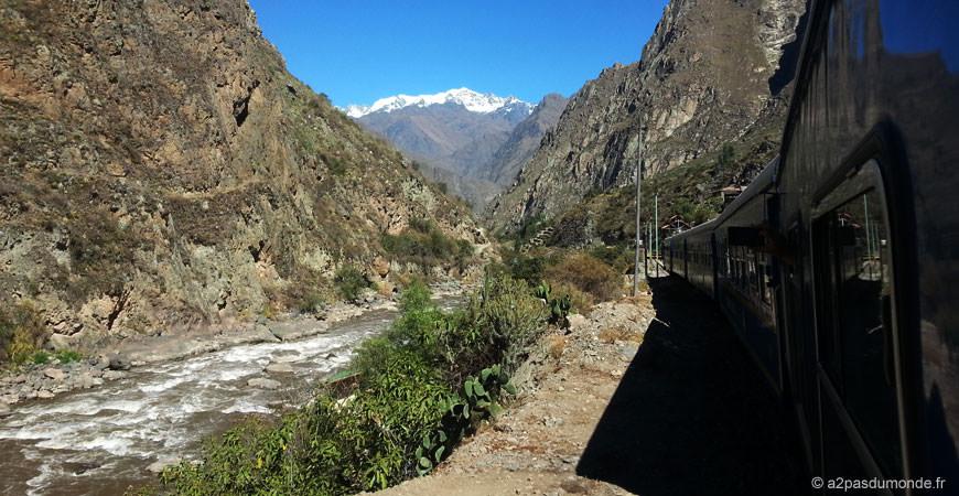 voyage-perou-machu-picchu-train-paysages