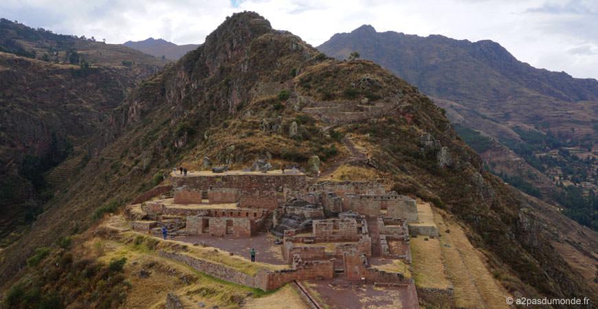 voyage-perou-vallee-sacree-pisac-site-Incas-Intihuatana
