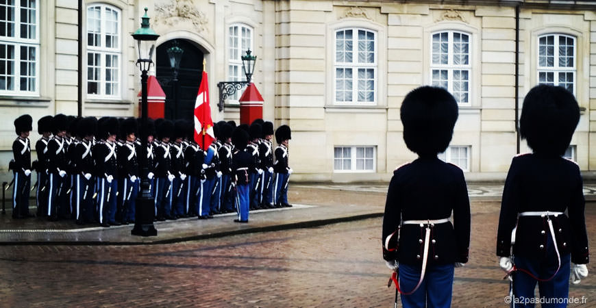 copenhague-danemark-releve-garde-royale