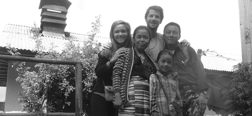 voyage-humanitaire-nepal-famille-sherpa