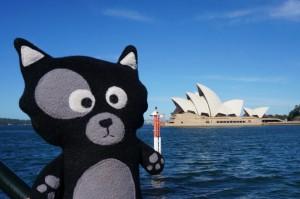 (19) Qui est-ce qui pose devant l'opéra de Sydney ?! Kiwi of course ;)