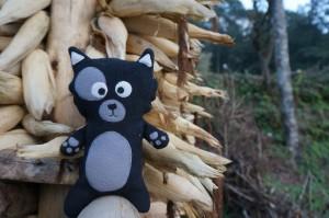 (06) Kiwi s'amuse sur un séchoir à maïs